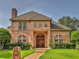 Mira Vista Luxury Homes