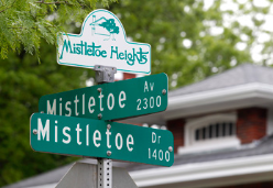 Mistletoe Heights Neighborhood